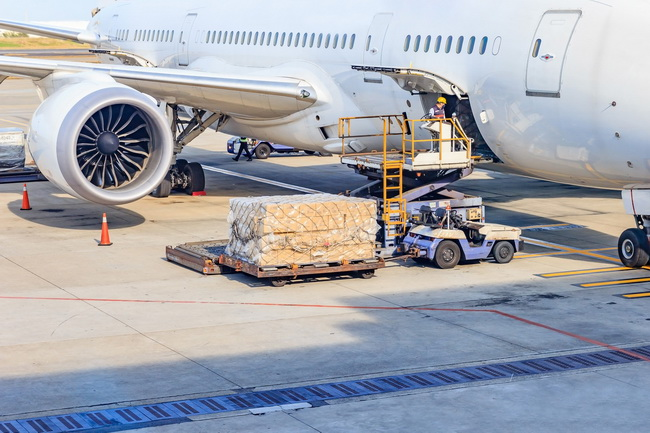 How to Prepare Goods for Air Shipping