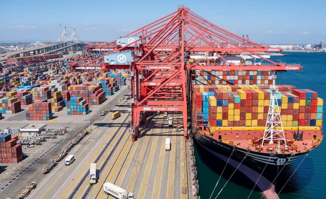 Major Challenges of Maritime Shipping